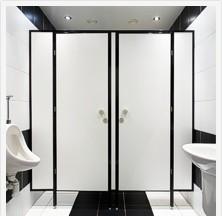 Сантехнические туалетные кабинки